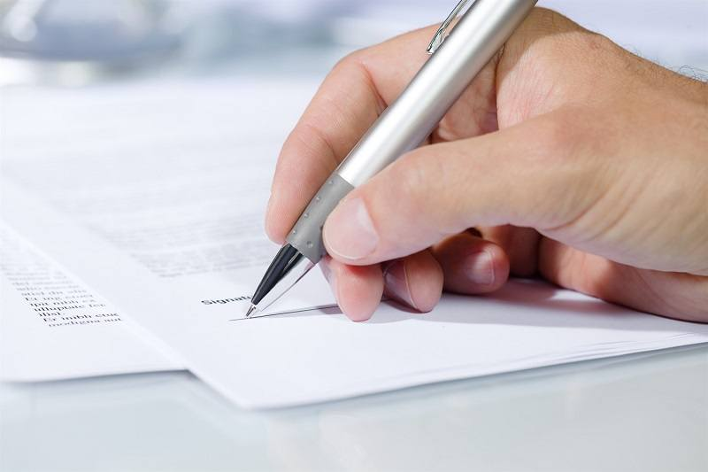 5 Reasons Why Manual Management Of Paper Contracts Is History